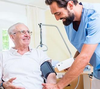 Fórmate con el curso de auxiliar de enfermería