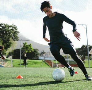 Aprende con el Curso de Monitor De Fútbol + Máster en Nutrición Deportiva y Coach Nutricional a dirigir equipos y entrenamientos de fútbol