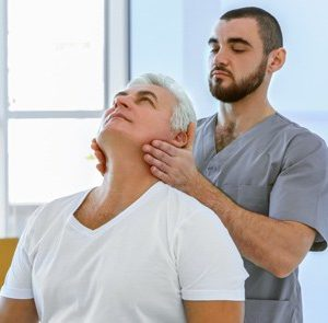 Cursa el Máster en Rehabilitación Funcional del Anciano y especialízate en este ámbito de la salud